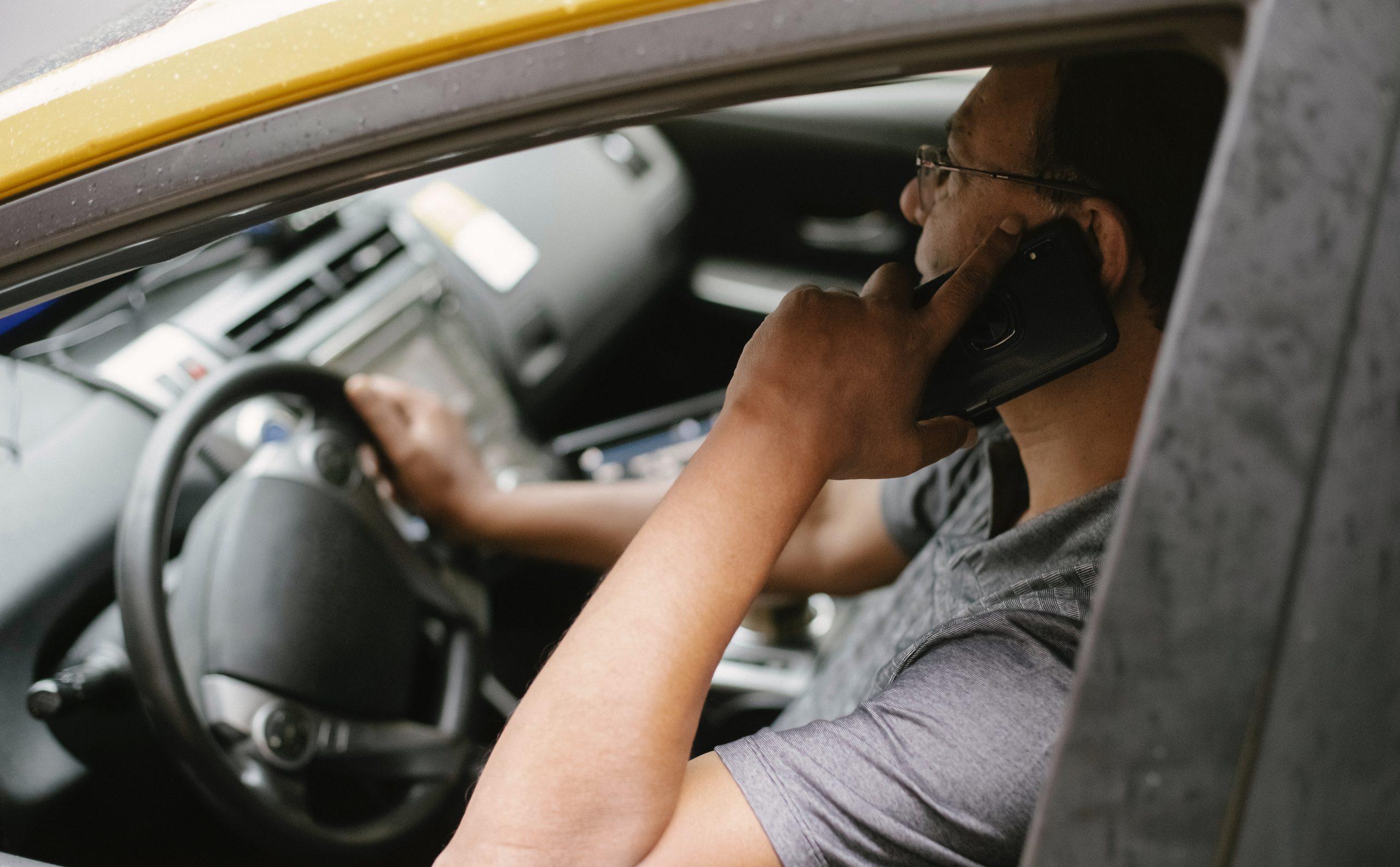 Как защититься водителю при конфликте с пассажиром